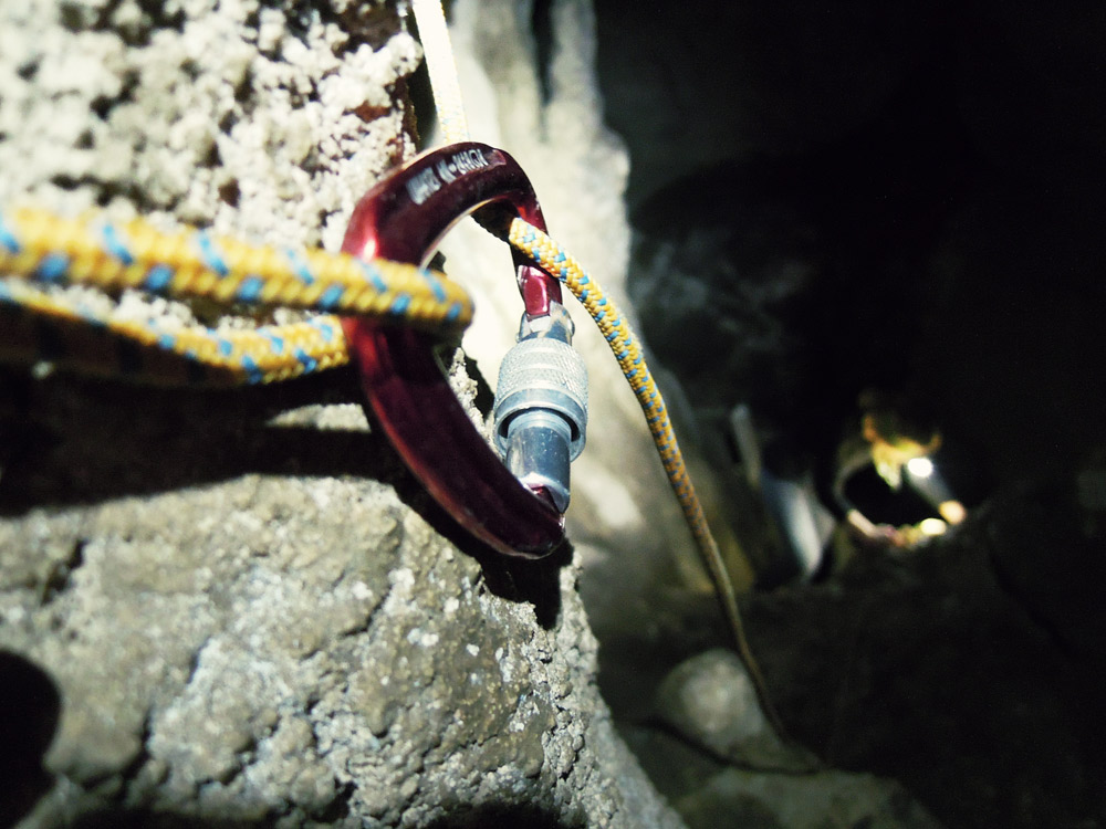 Mangaone-Caves-climb